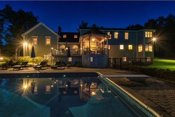 backyard-night-siding-house